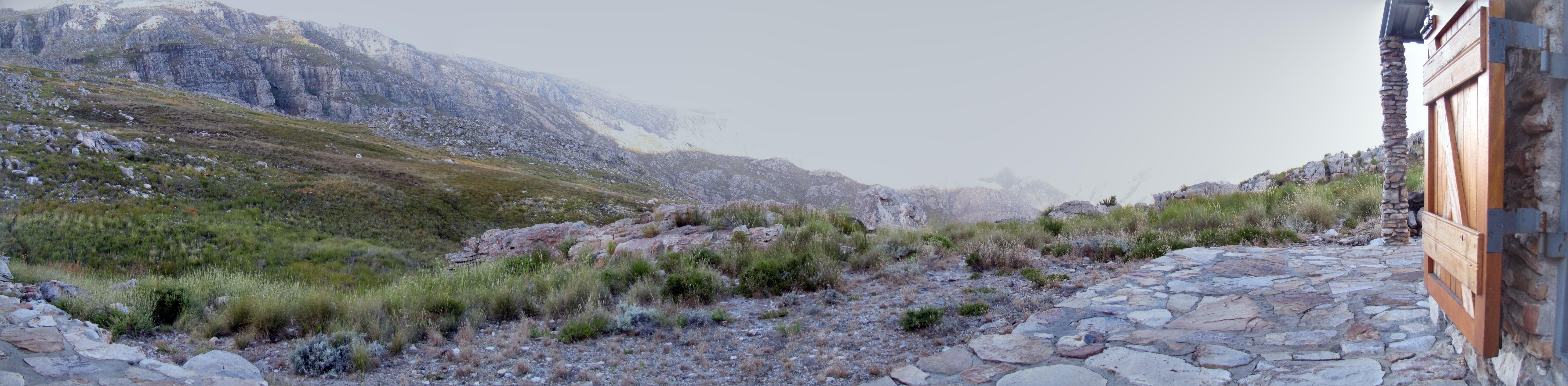 Hiking SA Mountain trails and the world